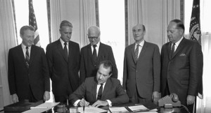 Photo of President Nixon signing the ESA into law
